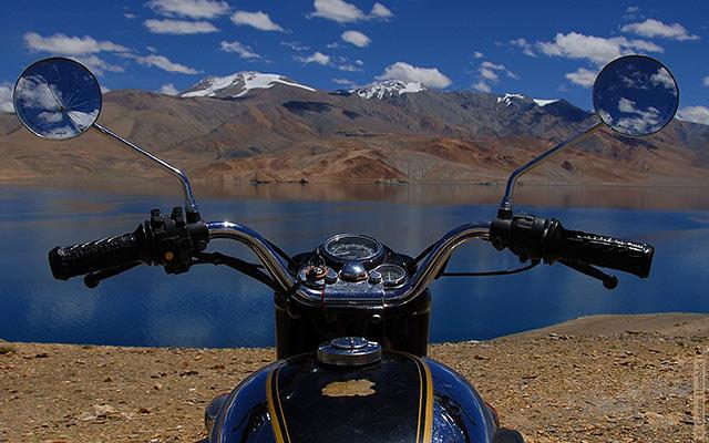 Partir en vacances à moto : une bonne idée?
