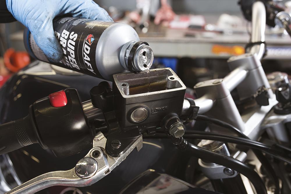 pourquoi et quand changer les plaquettes de frein de sa moto detail moto tout sur la moto. Black Bedroom Furniture Sets. Home Design Ideas